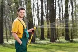 Handy Tips For Hiring A Garden Maintenance Company For Your Patio Cleaning In Chiswick